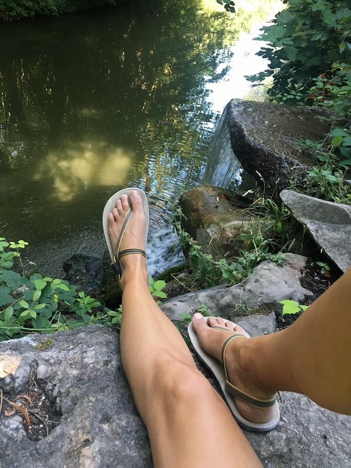 Sandales minimalistes et les avantages de la marche piedsnus